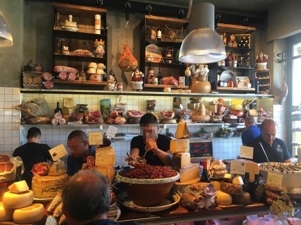 Restaurant-la_Salumeria-Sizilien-innen1