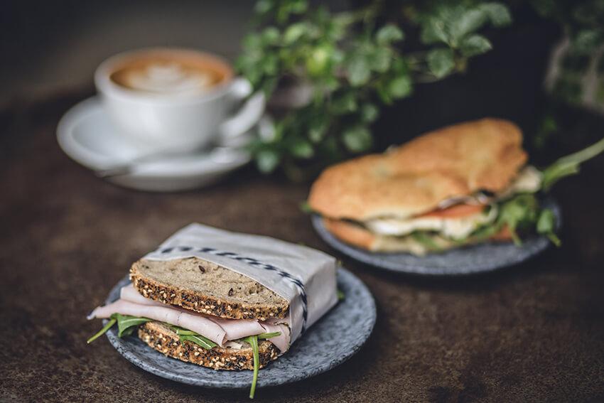 Kaffeerösterei-Kaffeekirsche-Berlin-Kaffee-und-Brot