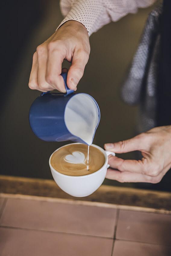 Kaffeerösterei-Kaffeekirsche-Berlin-Tasse