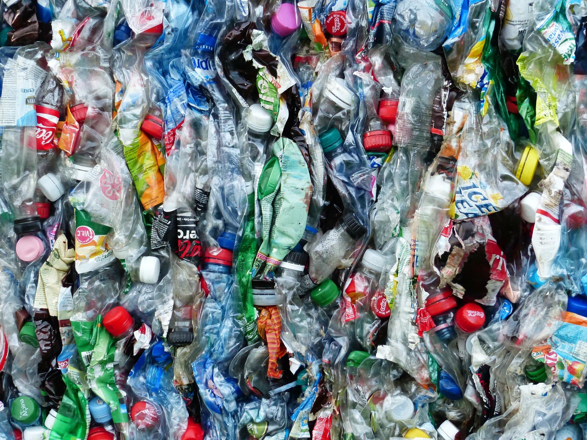 Plastikflaschen-Müll